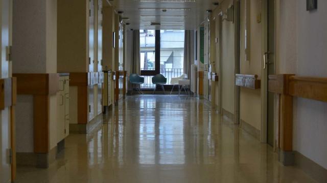"""Adesão à greve dos trabalhadores da saúde """"elevada"""" no turno da noite"""