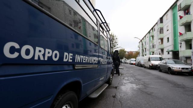 Mais de 30 detidos e várias apreensões de droga e armas em Lisboa
