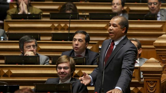 CDS quer ouvir ministro do Planeamento e ex-diretor da CP no Parlamento