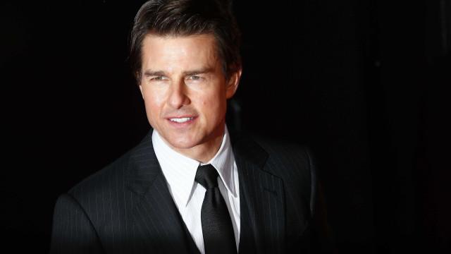 Filha de Tom Cruise tentou contacto com o pai, mas foi rejeitada