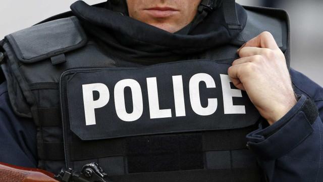 Duas crianças mortas num apartamento de serviço da polícia francesa
