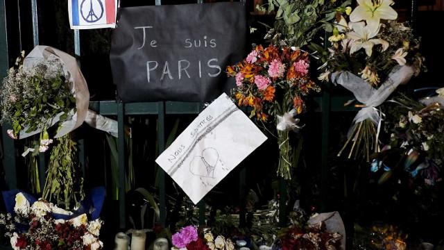 Atentados de Paris: Filho de vítima portuguesa recusa cumprimentar Macron