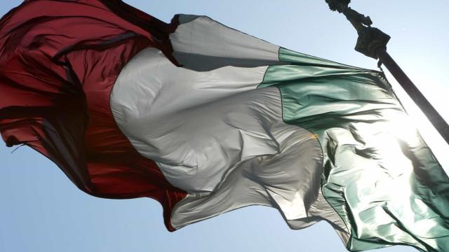 Situação em Itália continua a pressionar o euro