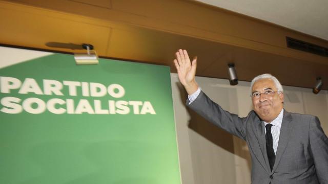 Costa abre Comissão Política pedindo palmas para autarcas do PS