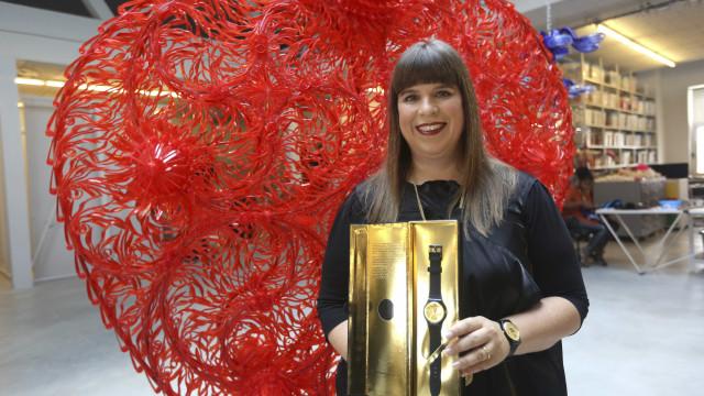 Escultura têxtil de Joana Vasconcelos em destaque na Royal Academy