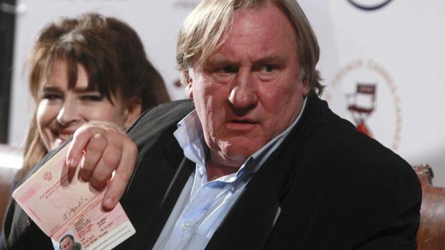 Gerard Depardieu interrogado pela polícia após acusações de violação