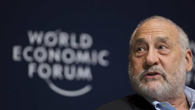 Prémio Nobel demite-se de comité que investiga Panama Papers