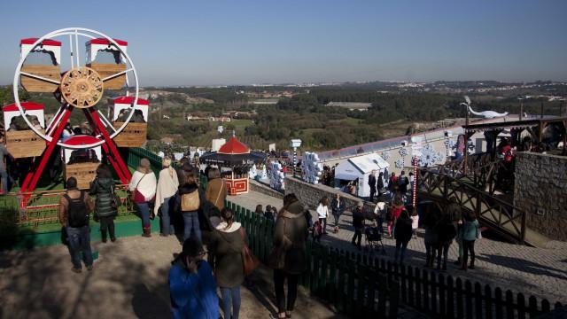 Óbidos Vila Natal abre no dia 30 com viagem aos anos 80