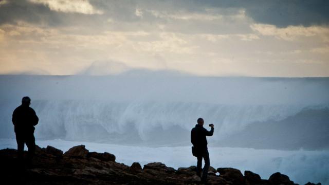 Sete ilhas dos Açores sob aviso laranja devido à depressão Carlos
