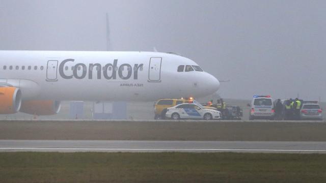 Avião vindo do Egipto aterra de emergência na Grécia por alerta de bomba