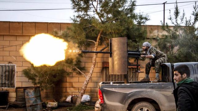 Estado Islâmico reivindica ataque a peregrinos coptas no Egito