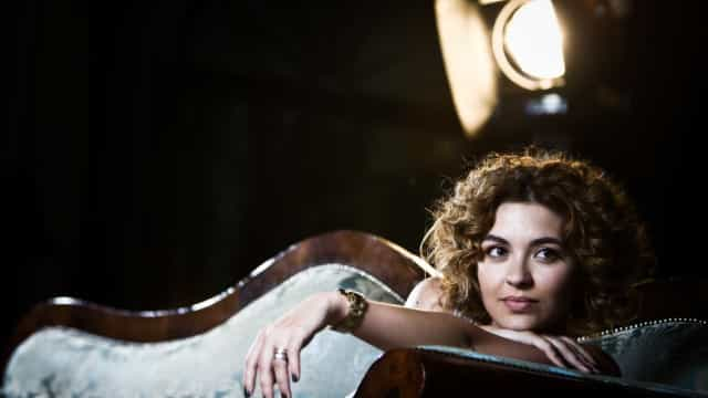 Grávida pela primeira vez, Sara Barradas exibe (grande) 'barriguinha'