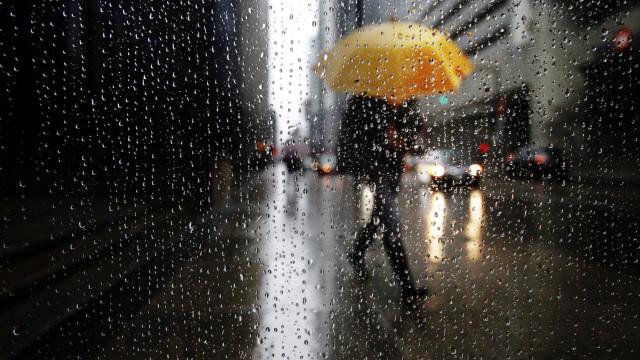 Adeus, sol. Olá, chuva e frio. Agasalhe-se este fim de semana