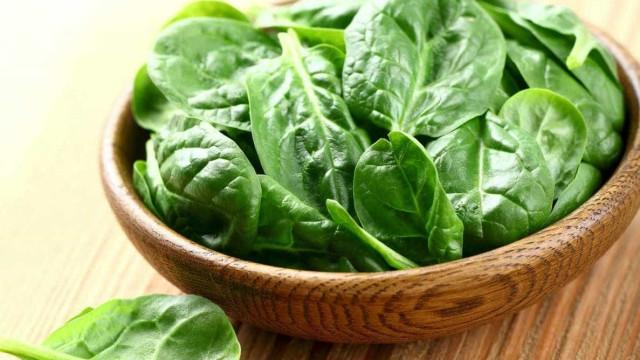 Aprenda a melhor forma de preparar espinafres para obter todos benefícios