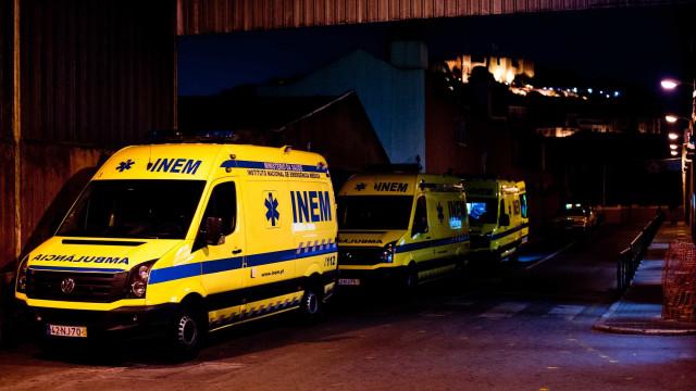 Viatura cai a albufeira em Vieira do Minho, 33 operacionais no resgate