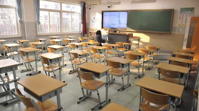 Aulas retomadas hoje em escola secundária de Évora após protesto