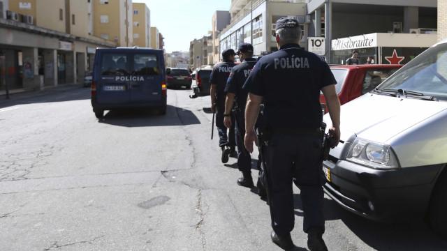 Legionella: PSP recolhe corpo de vítima mortal durante velório
