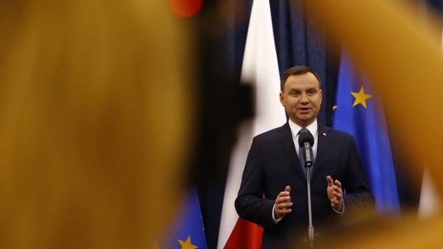 Presidente polaco ratifica uma das leis da polémica reforma da Justiça