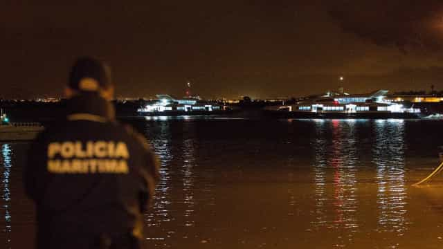 Piloto da barra de Lisboa morre em desembarque com ondas de 4 metros