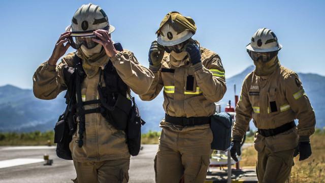 Bombeiros e GIPS resgatam homem que caiu em cascata no Gerês