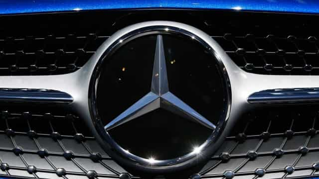Mercedes faz frente à Tesla com primeira série de carros elétricos
