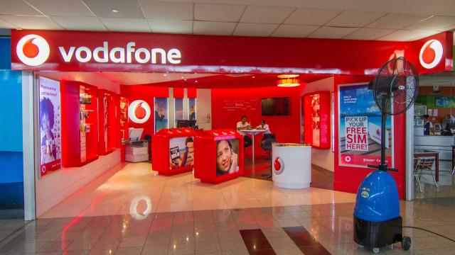 """Vodafone aplaude mudanças """"há muito pedidas"""" no acesso a postes da Meo"""