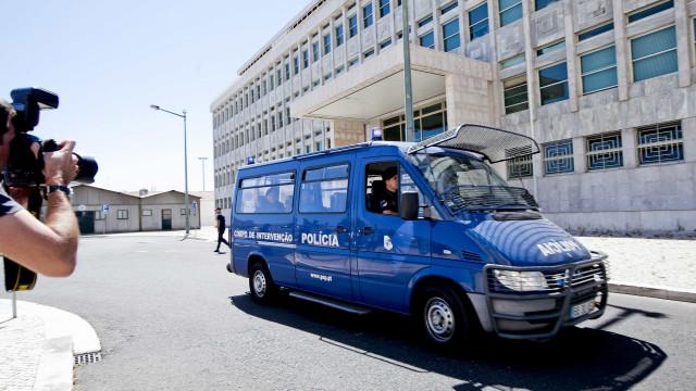 Fénix: Juiz liberta os 14 arguidos em prisão preventiva e domiciliária