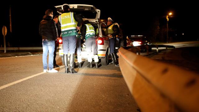 Um morto e quatro feridos graves em acidentes de trânsito desde ontem