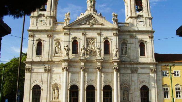 Corpo de Octávio estará a partir de amanhã na Basílica da Estrela