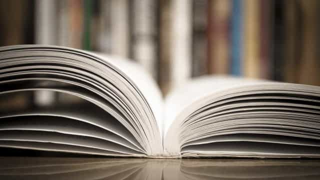 Helena Caspurro, defensora do improviso, lança livro para a infância