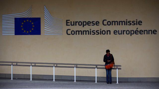 Processo das sanções a Itália pode arrastar-se até depois das europeias
