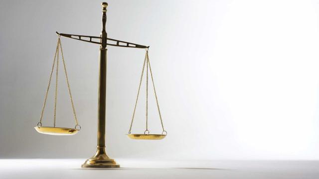 Tribunal julga suspeito de matar homem na noite de passagem de ano