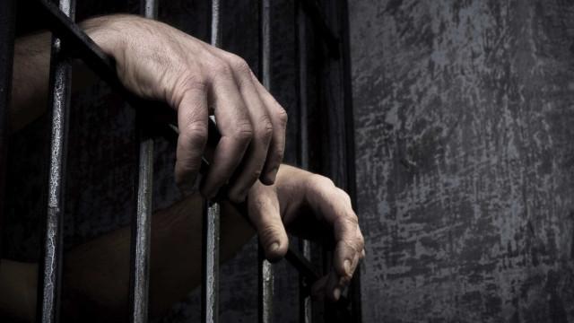 Passar telemóveis e droga pela segurança da prisão? Eis as tentativas