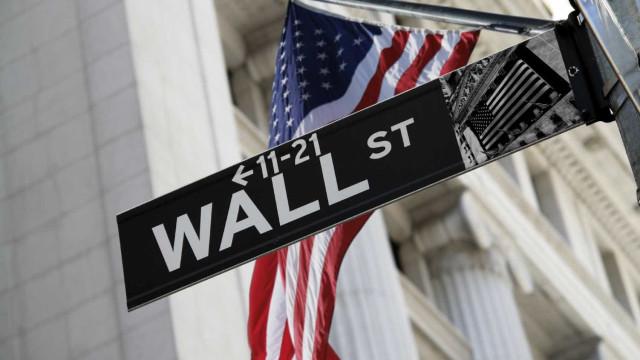 Wall Street fecha em forte baixa por receio de arrefecimento económico