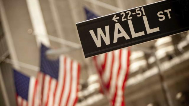 Wall Street sem direção, com subida taxas de juro a enervar investidores