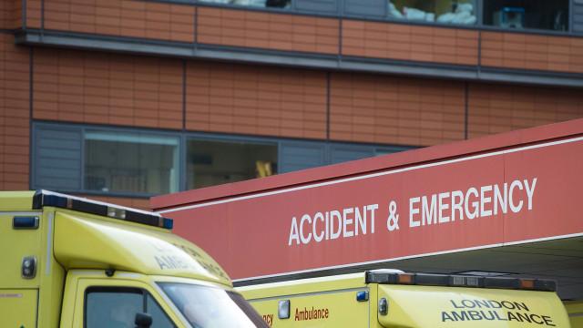 Menina de 11 anos morre subitamente após desmaiar em parque infantil