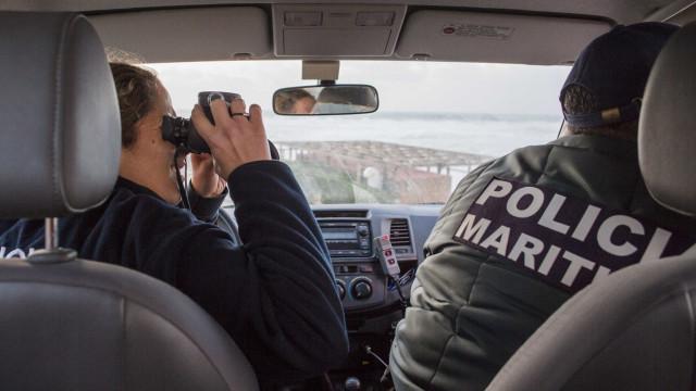 Carro cai de arriba no Porto Santo, ainda não se sabe se havia ocupantes