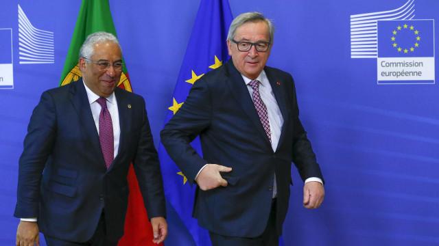 """Juncker expressa """"a solidariedade da Europa"""" para com """"país amigo"""""""