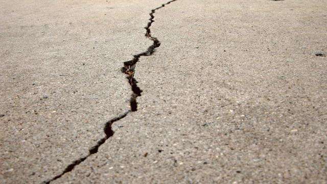 Forte sismo abala zona centro da China