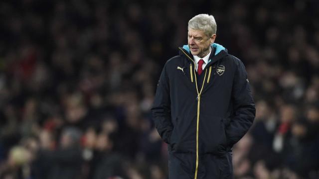 """Wenger: """"O Barcelona é um clube altamente político"""""""