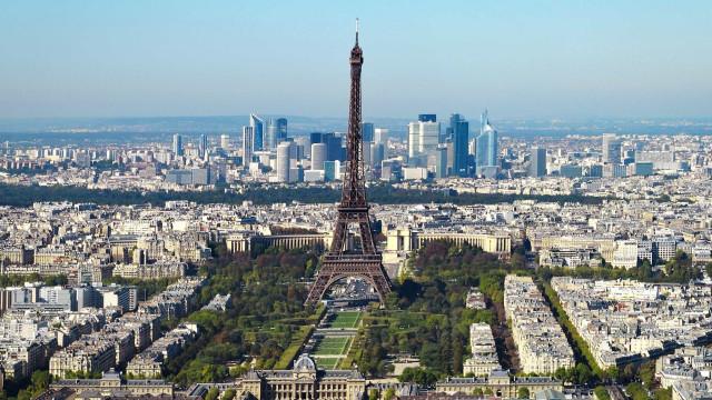 Como Paris quer voltar a ter mais turistas após os ataques terroristas
