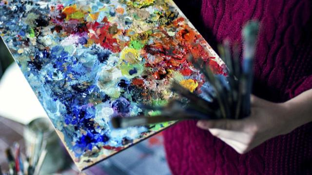 Cerveira inaugura exposição de pintura com obras de artistas de renome