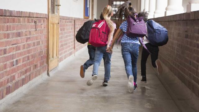 Sindicato garante que milhares de alunos permanecem sem notas