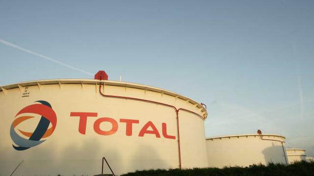 Teerão e francesa Total assinam acordo de 4,8 mil milhões de dólares