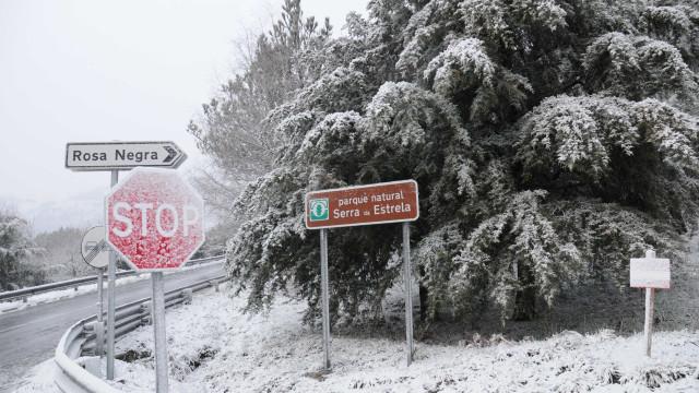 Estradas da serra da Estrela reabertas ao trânsito