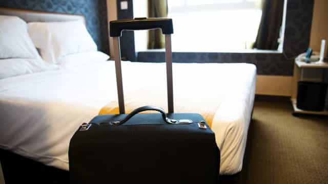 SEF deteve homem que burlava hotéis onde ficava e não pagava a conta