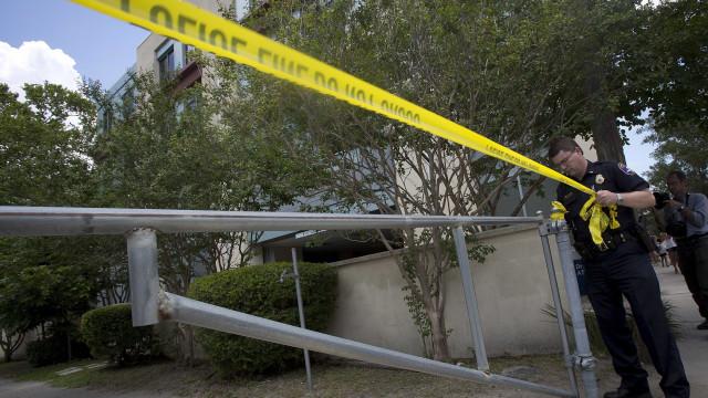 Tiroteio na Florida junto a estádio de futebol faz seis feridos