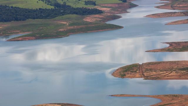 Bacias hidrográficas com menos água que a média das últimas décadas