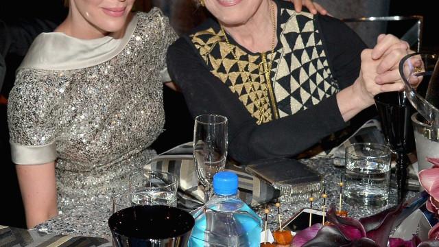Sarah Paulson foi aconselhada a esconder a relação com a namorada