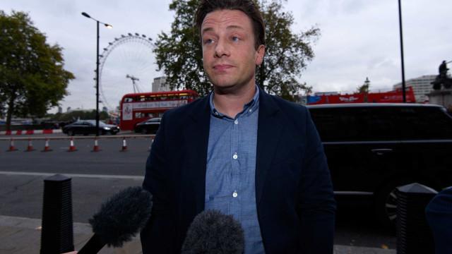 Jamie Oliver salvou a sua cadeia de restaurantes a duas horas do prazo